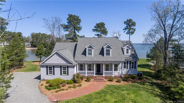 419 Pelican Lane, Reedville, VA 22539 (MLS #1810854) :: Chantel Ray Real Estate