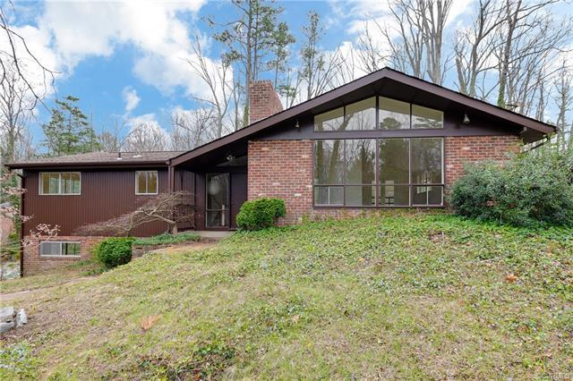 8219 Whittington Drive, North Chesterfield, VA 23235 (MLS #1811141) :: The Ryan Sanford Team