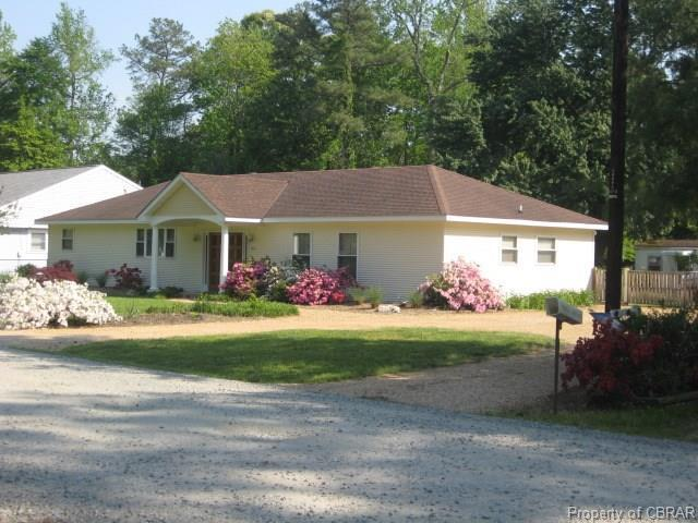 114 Plum Drive, Hartfield, VA 23071 (#1811300) :: Abbitt Realty Co.