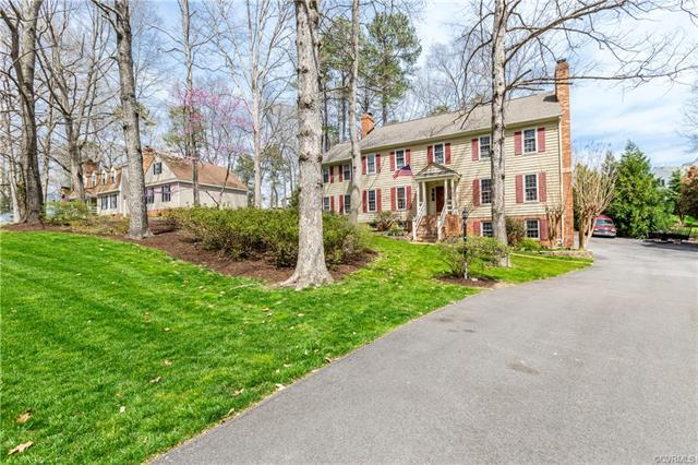 221 Bollingbrook Court, North Chesterfield, VA 23236 (MLS #1811710) :: Explore Realty Group