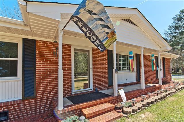 2641 Severn Wharf Road, Hayes, VA 23072 (MLS #1811763) :: Chantel Ray Real Estate