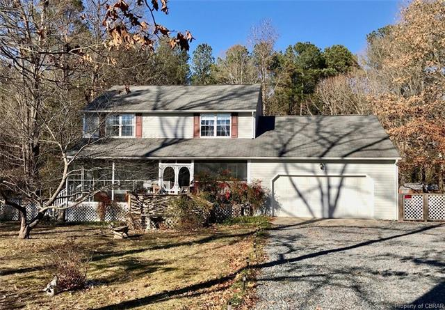 3401 Enos Road, Gloucester, VA 23061 (MLS #1812385) :: Chantel Ray Real Estate