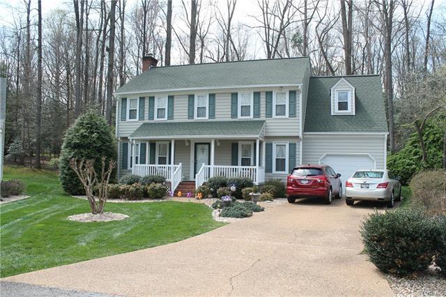 4604 Red Chestnut Court, Midlothian, VA 23112 (MLS #1812614) :: Chantel Ray Real Estate