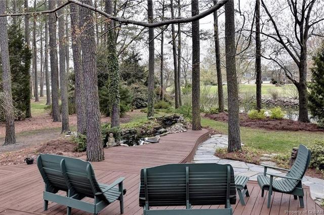 33 Moore Road, Poquoson, VA 23662 (MLS #1813598) :: Chantel Ray Real Estate