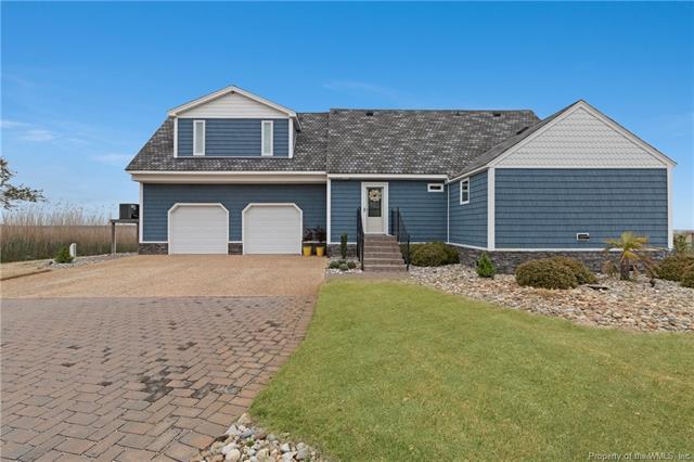 236 Beach Road, Poquoson, VA 23662 (MLS #1813678) :: Chantel Ray Real Estate