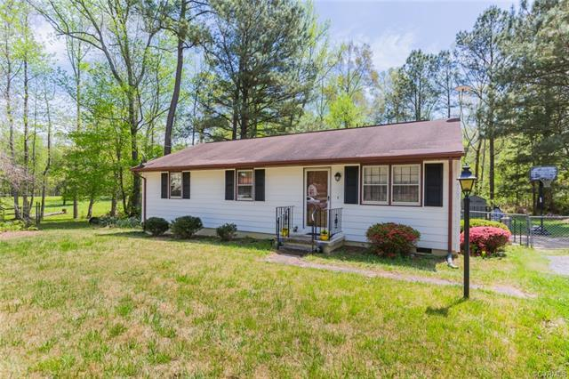 4509 Pamela Drive, Disputanta, VA 23842 (MLS #1814117) :: RE/MAX Commonwealth