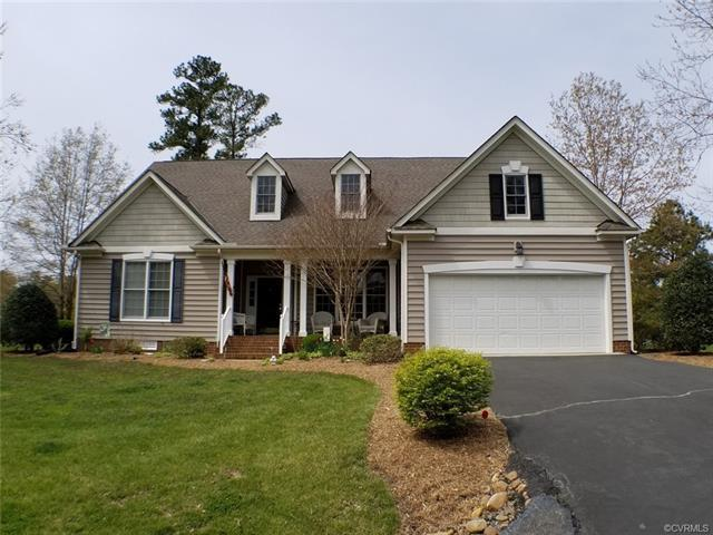 548 Middle Gate, Irvington, VA 22480 (MLS #1814159) :: The Ryan Sanford Team