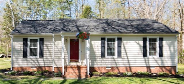 207 Devonshire Drive, Aylett, VA 23009 (#1814169) :: Green Tree Realty