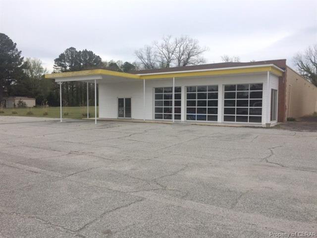 5041 General Puller Highway, Locust Hill, VA 23092 (MLS #1814256) :: The Ryan Sanford Team