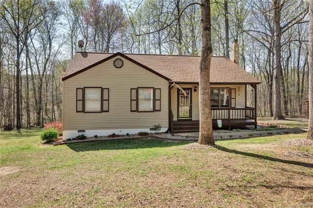 6320 Springside Drive, Powhatan, VA 23139 (MLS #1814325) :: The RVA Group Realty
