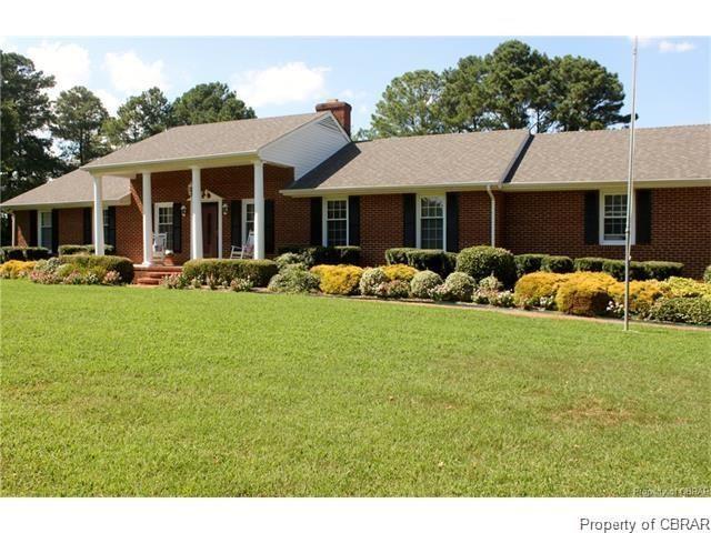 1114 Kingston Lane, North, VA 23128 (MLS #1814640) :: Chantel Ray Real Estate