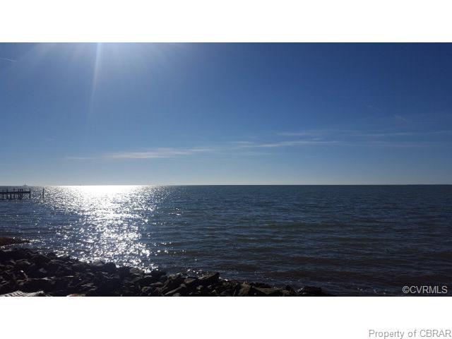 130 Dutchmans Point, Port Haywood, VA 23138 (MLS #1814658) :: Chantel Ray Real Estate