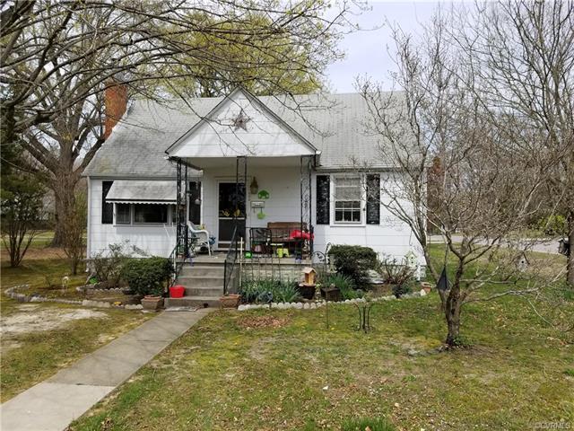 400 Sixth Street, Blackstone, VA 23824 (#1814659) :: Abbitt Realty Co.