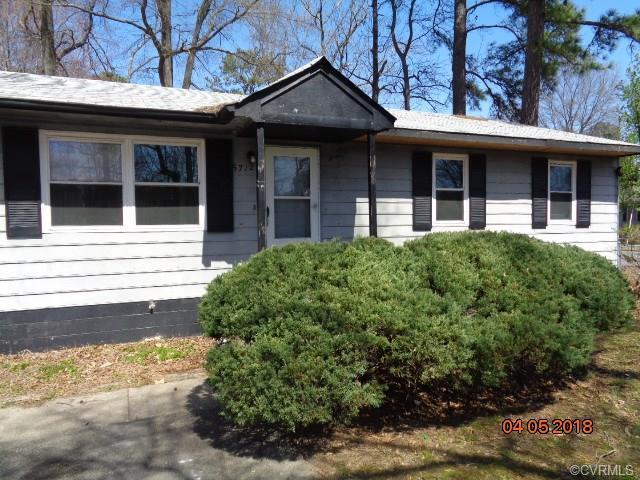 5712 Dendron Drive, Henrico, VA 23223 (MLS #1814761) :: RE/MAX Action Real Estate