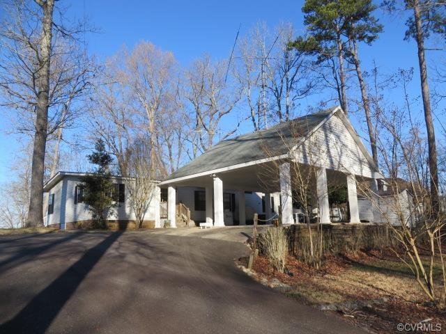 107 Cliffside Drive, Bracey, VA 23919 (#1814766) :: Abbitt Realty Co.