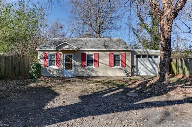 229 N Fifth Street, Hampton, VA 23664 (#1814863) :: Abbitt Realty Co.