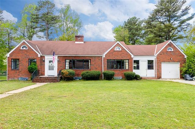 502 E Delton Avenue, Hopewell, VA 23860 (MLS #1815091) :: The RVA Group Realty