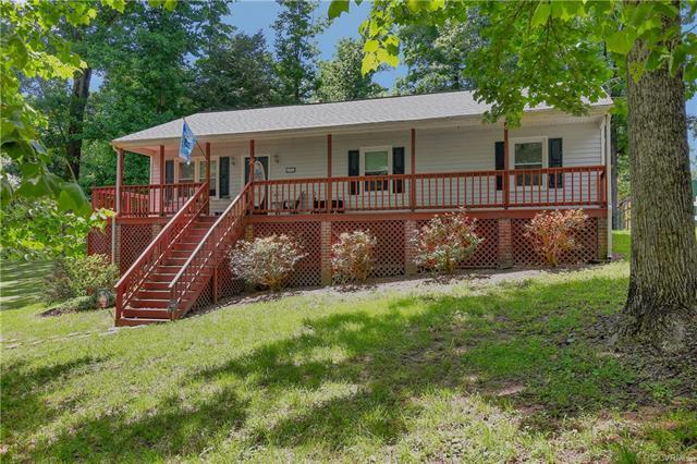 6702 Cherry Road, Quinton, VA 23141 (#1815946) :: Abbitt Realty Co.
