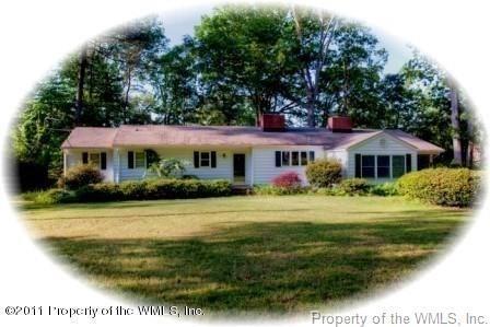 215 W Queens Drive, Williamsburg, VA 23185 (#1817882) :: Abbitt Realty Co.