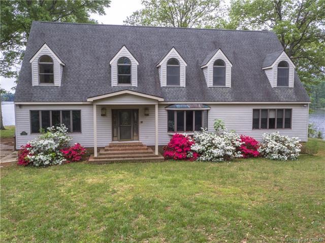 414 Longstreet Drive, Reedville, VA 22539 (#1818303) :: Abbitt Realty Co.