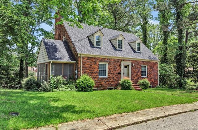 103 Oakwood Avenue, Hopewell, VA 23860 (#1818693) :: Abbitt Realty Co.