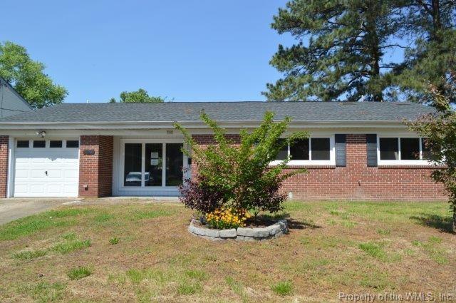 130 Longfellow Drive, Newport News, VA 23602 (#1818780) :: Abbitt Realty Co.