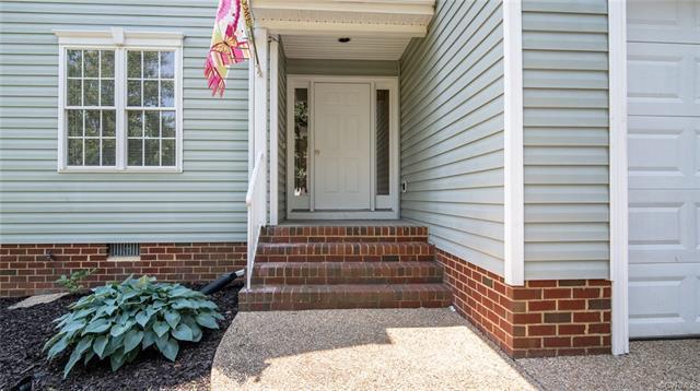 6337 Greystone Creek Road, Mechanicsville, VA 23111 (MLS #1819101) :: Small & Associates