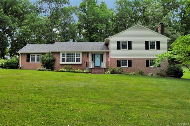 8170 Holly Lane, Mechanicsville, VA 23111 (MLS #1819159) :: Small & Associates