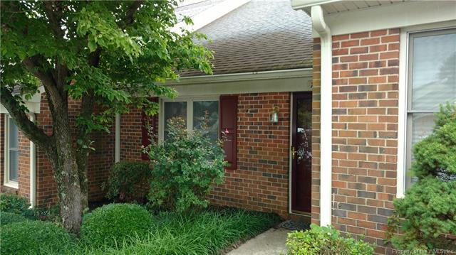 7684 The Points Place #304, Gloucester Point, VA 23062 (MLS #1820772) :: RE/MAX Action Real Estate