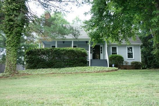 8335 Old Cavalry Drive, Mechanicsville, VA 23111 (MLS #1820786) :: The Ryan Sanford Team