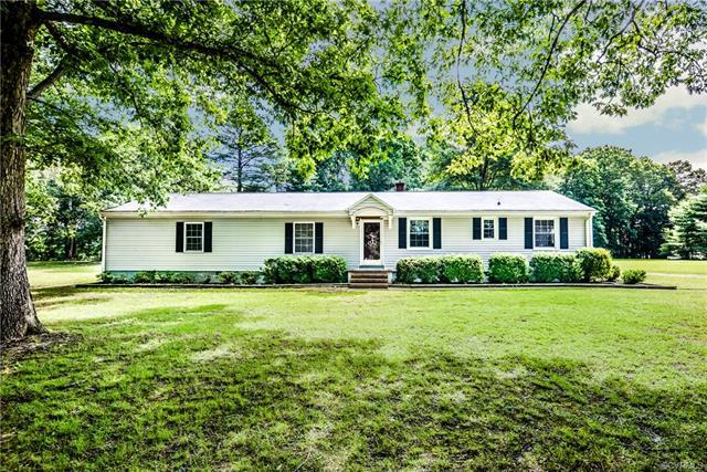 8054 Shady Grove Road, Mechanicsville, VA 23111 (MLS #1820905) :: EXIT First Realty