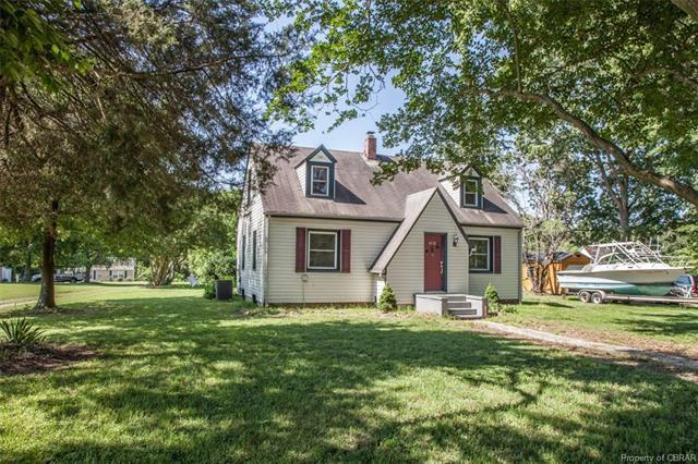 6712 Fields Landing Road, Hayes, VA 23072 (#1820933) :: Abbitt Realty Co.