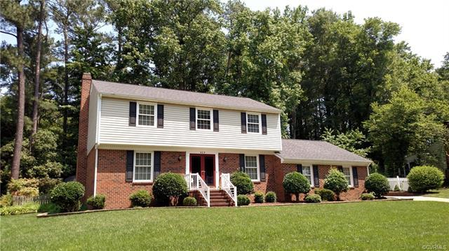 405 Fairmont Drive, Colonial Heights, VA 23834 (MLS #1820945) :: Chantel Ray Real Estate