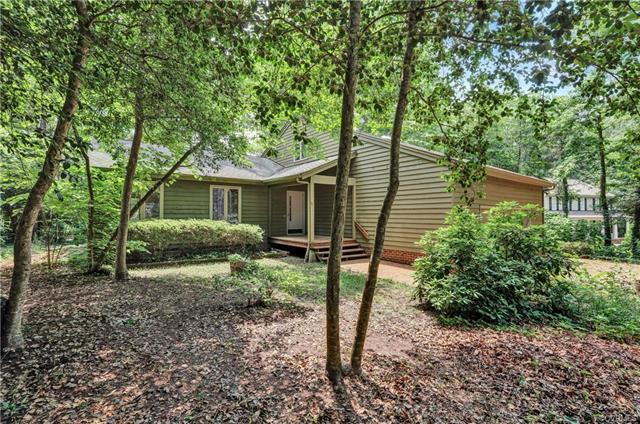 13707 Hickory Nut Point, Midlothian, VA 23112 (MLS #1821136) :: Explore Realty Group