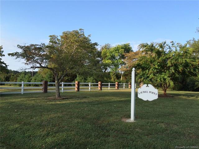 44A Laurel Point Road, Kilmarnock, VA 22482 (#1821404) :: Abbitt Realty Co.