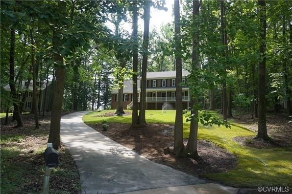 7817 Little Ridge Court, Chesterfield, VA 23832 (MLS #1821666) :: Explore Realty Group