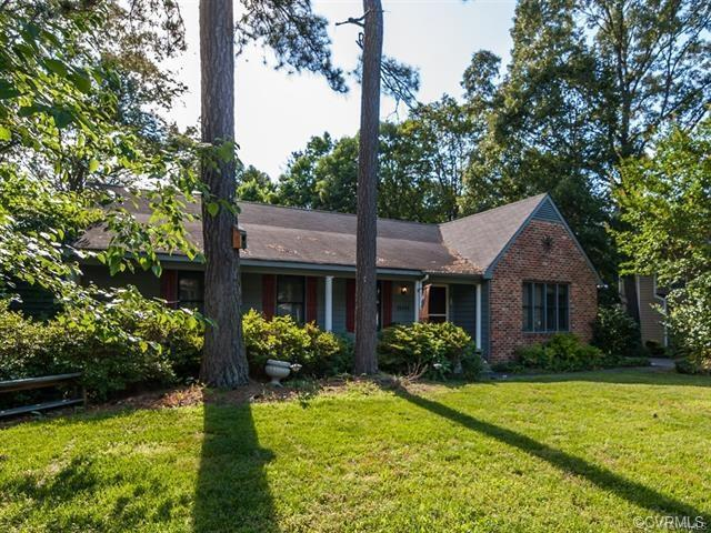 13108 Sir Scott Drive, Chester, VA 23831 (MLS #1821953) :: Explore Realty Group