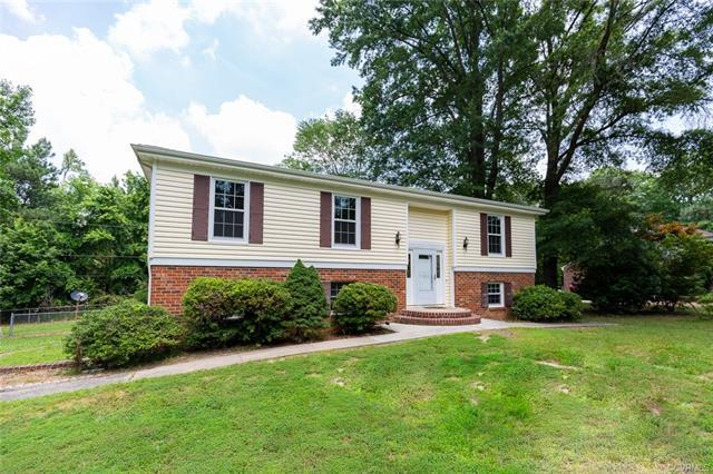 1499 Lakeside Drive, Prince George, VA 23875 (MLS #1822402) :: EXIT First Realty