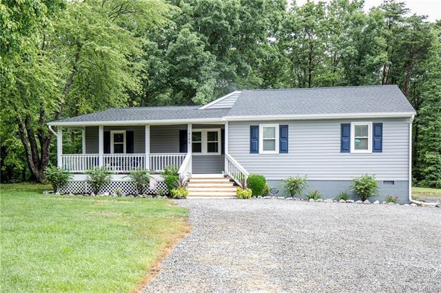 18196 Old Ridge Road, Hanover, VA 23192 (MLS #1822822) :: EXIT First Realty