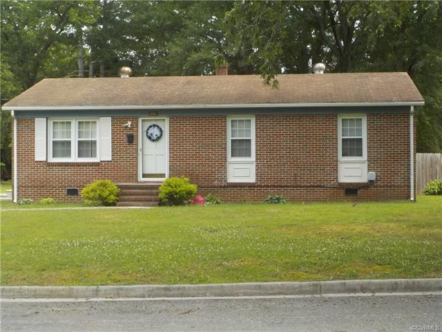 305 S Harris Street, Blackstone, VA 23824 (MLS #1823666) :: The Ryan Sanford Team