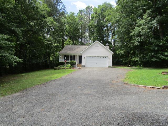95 Lake Caroline Drive, Ruther Glen, VA 22546 (MLS #1823819) :: RE/MAX Action Real Estate
