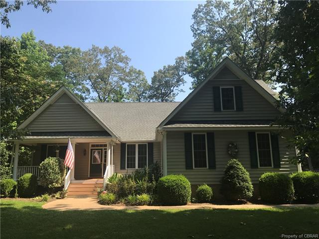145 Riverboat Lane East, Hartfield, VA 23071 (MLS #1824548) :: EXIT First Realty