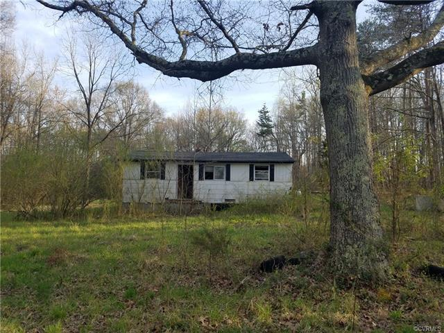 5067 W River Road, Goochland, VA 23063 (MLS #1824774) :: The RVA Group Realty