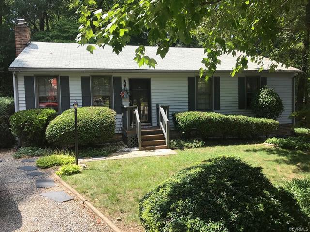 6602 Rollingridge Lane, Chesterfield, VA 23832 (MLS #1825073) :: The RVA Group Realty