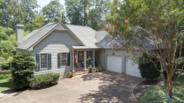125 Harbour Town, Williamsburg, VA 23188 (MLS #1825163) :: RE/MAX Action Real Estate