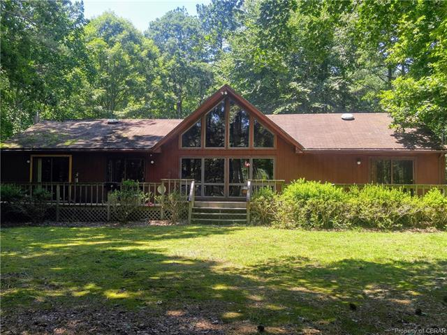 1409 W River Run Drive, Hartfield, VA 23071 (MLS #1825361) :: Explore Realty Group