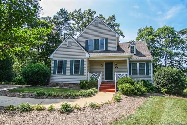 732 Middle Gate, Irvington, VA 22480 (MLS #1825461) :: The Ryan Sanford Team
