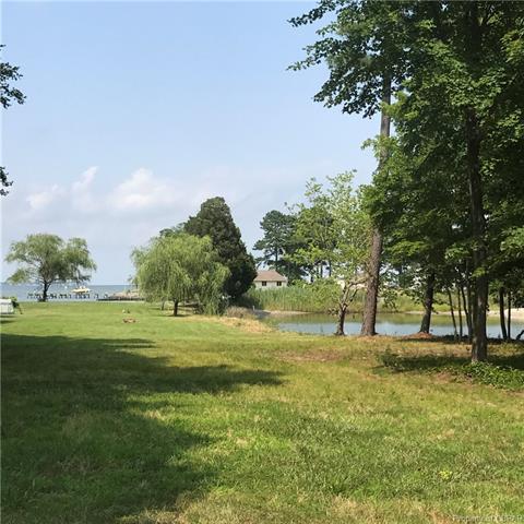823 Timberneck Road, Deltaville, VA 23043 (MLS #1825487) :: Explore Realty Group