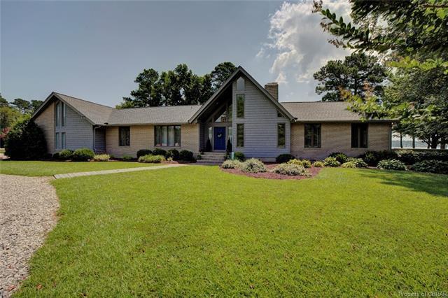 230 Kings Grant Drive, Yorktown, VA 23692 (#1825526) :: Abbitt Realty Co.