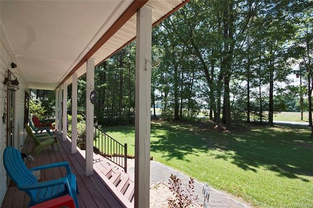 3449 Hickory Fork Road, Gloucester, VA 23061 (MLS #1825553) :: Explore Realty Group